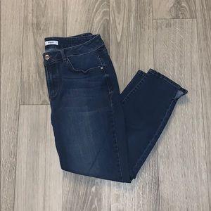 Kensie Jeans Dark Wash Crops✨